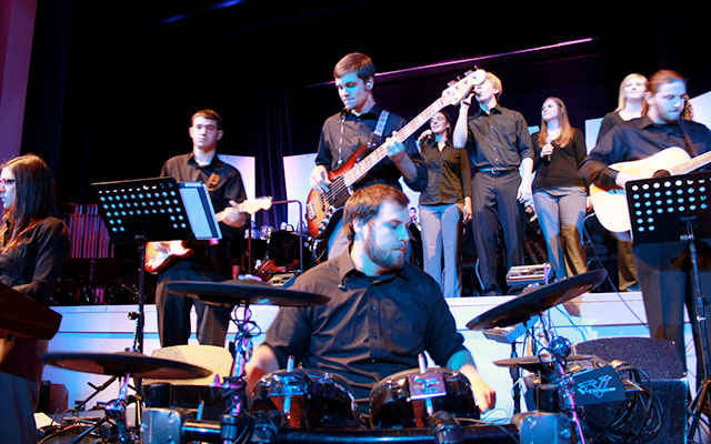 Scuola di musica e licenza di pubblica esecuzione SIAE