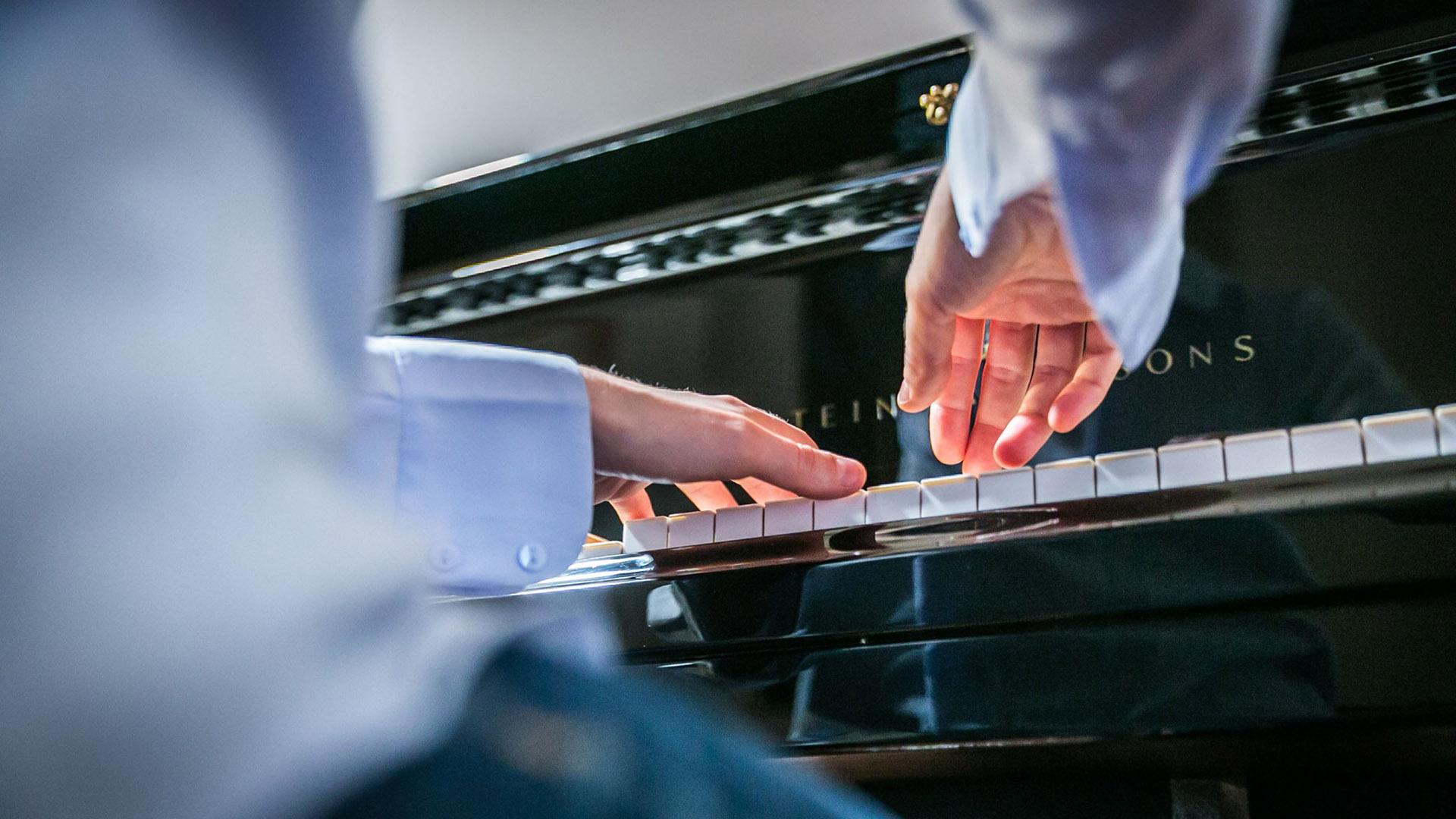 Daniela Mastrandrea: nuovo singolo per pianoforte e orchestra d'archi