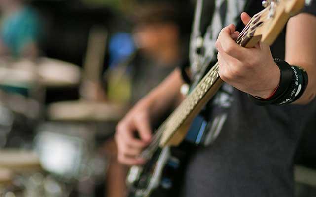 Imparare a suonare uno strumento musicale: perchè diventare musicisti?