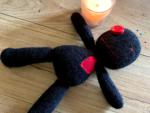 Come Usare una Bambola Voodoo Rosso