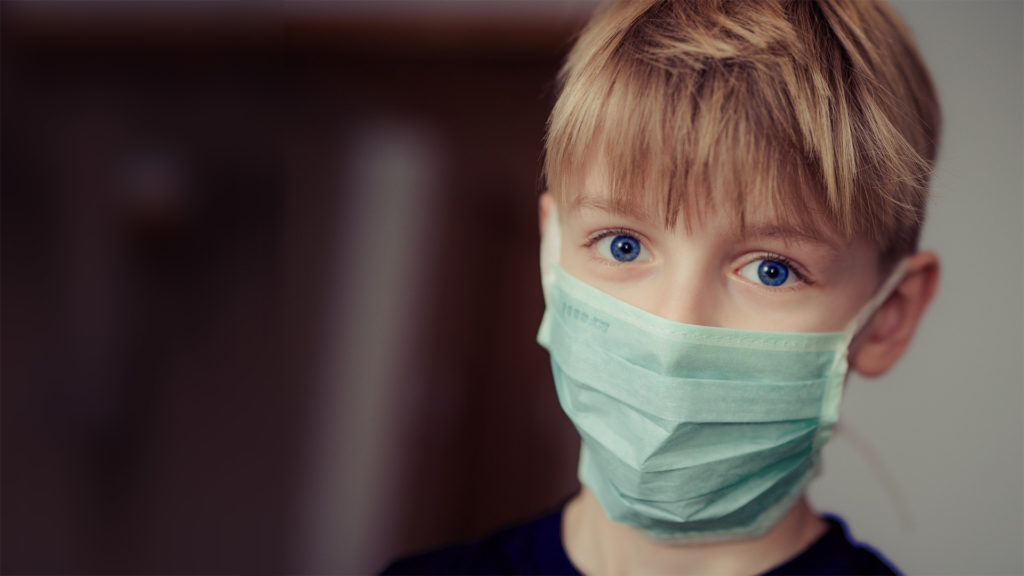 Come disinfettare le mascherine se costretti a riutilizzarle