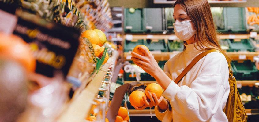 Mascherine protettive per tutti: meglio di stoffa o chirurgiche?