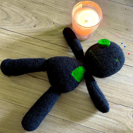 Come Usare una Bambola Voodoo Verde