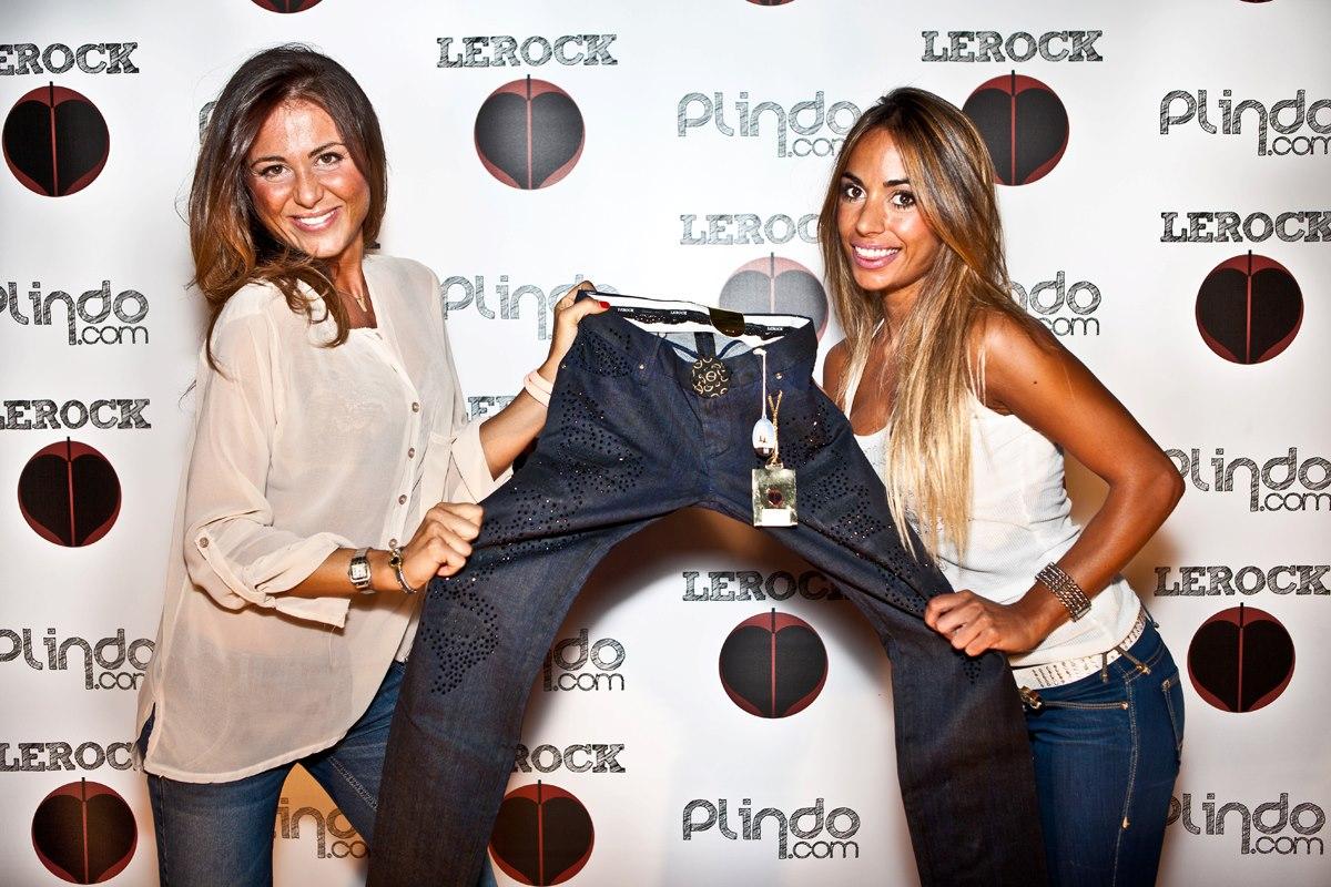 Le T-Shirt di Plindo sono 100% musica di qualità, da scoprire, godere e condividere.