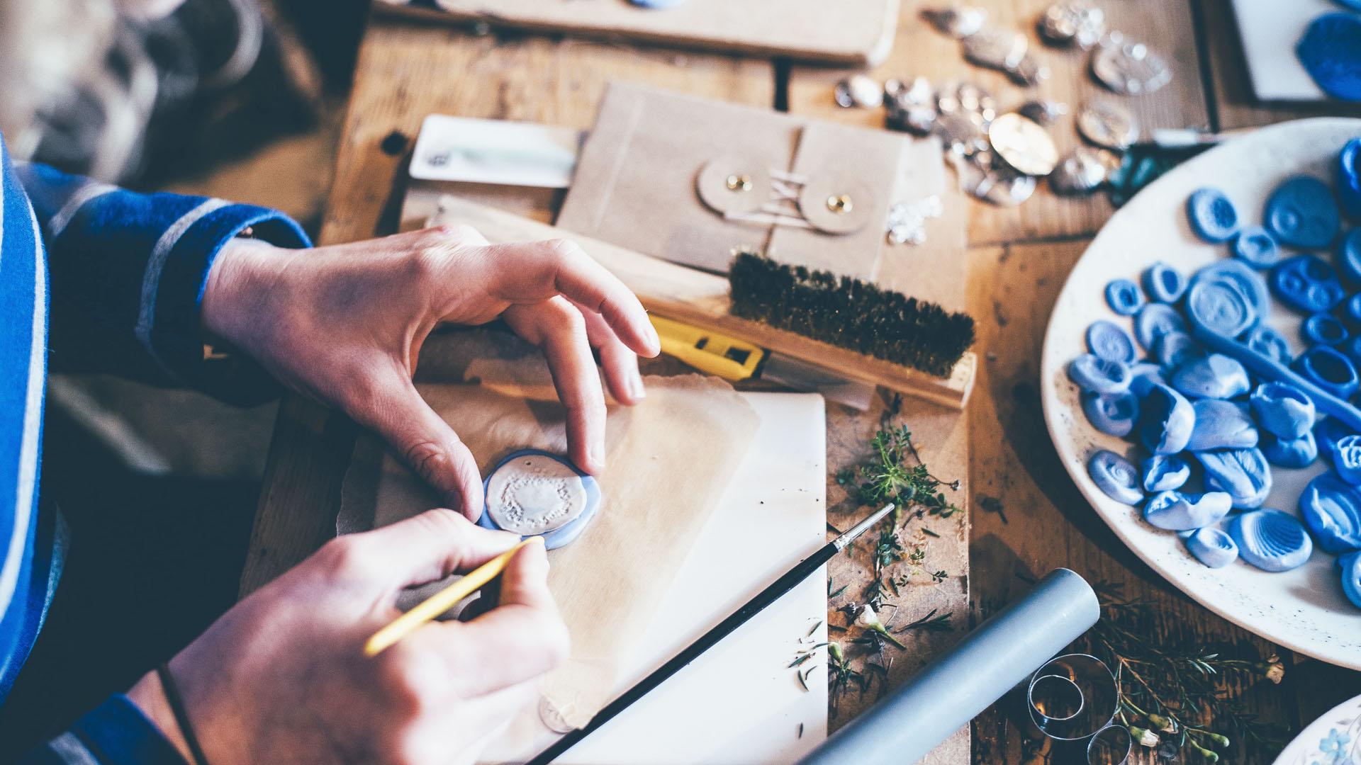 Artigianato fatto a mano: più che un prodotto una filosofia.