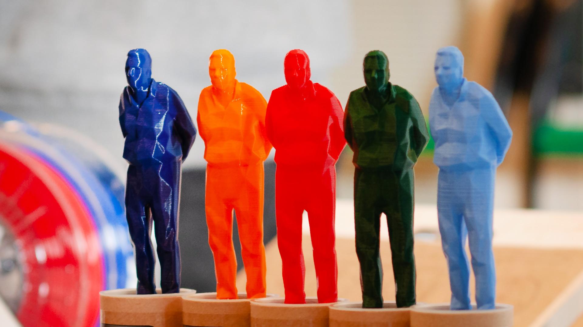 Chi sono gli artigiani digitali: ecco la storia dell'Umarell