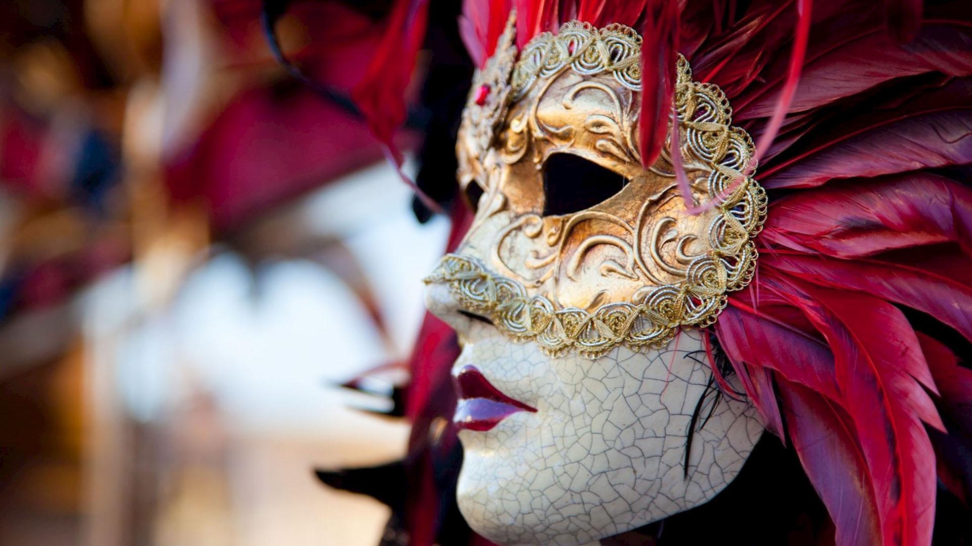 Artigianato veneziano: alla scoperta di maschere e vetri soffiati