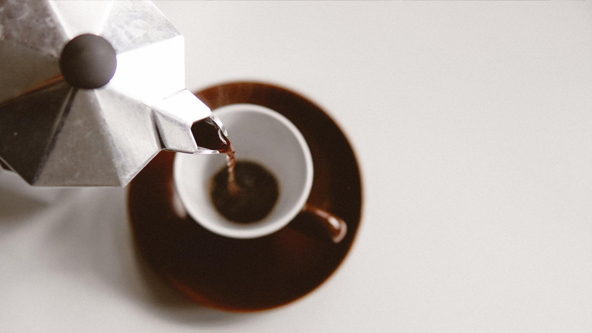 Come preparare un caffè perfetto con la moka: i segreti della tradizione