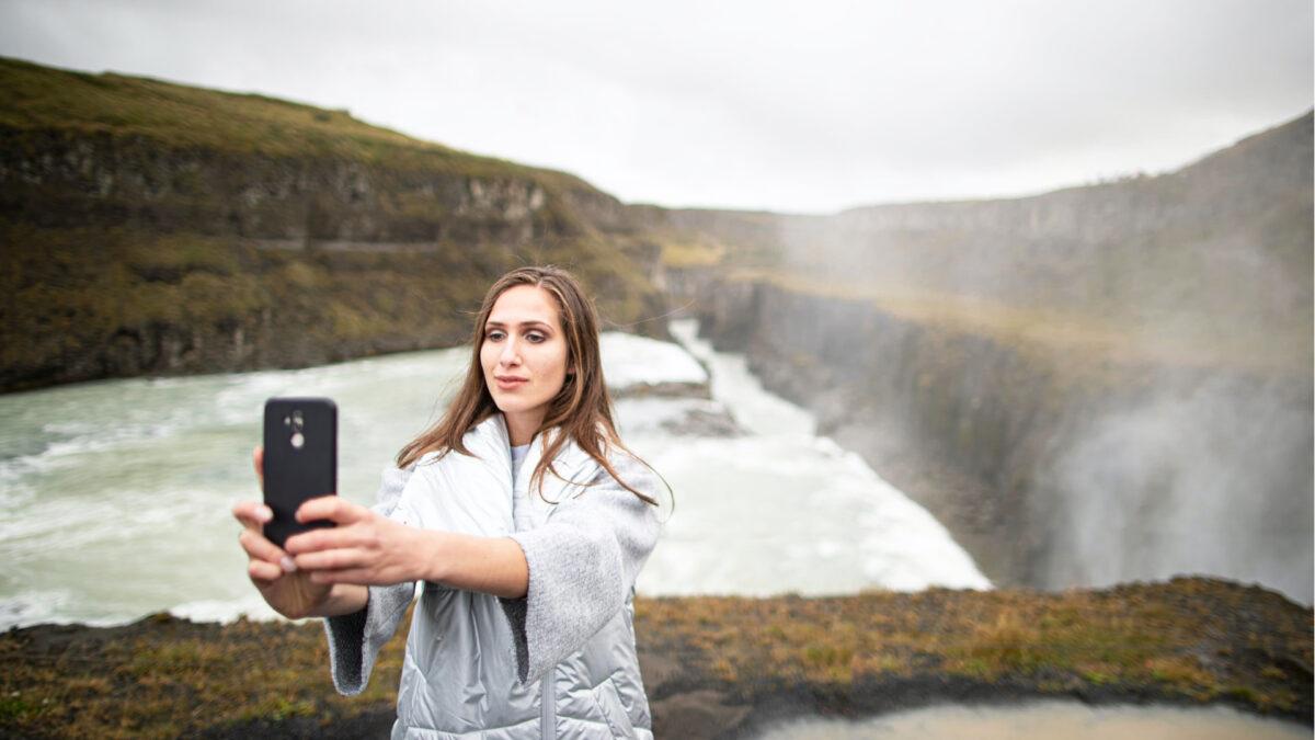 Come si chiama la malattia dei selfie: un nuovo tipo di disturbo psicologico