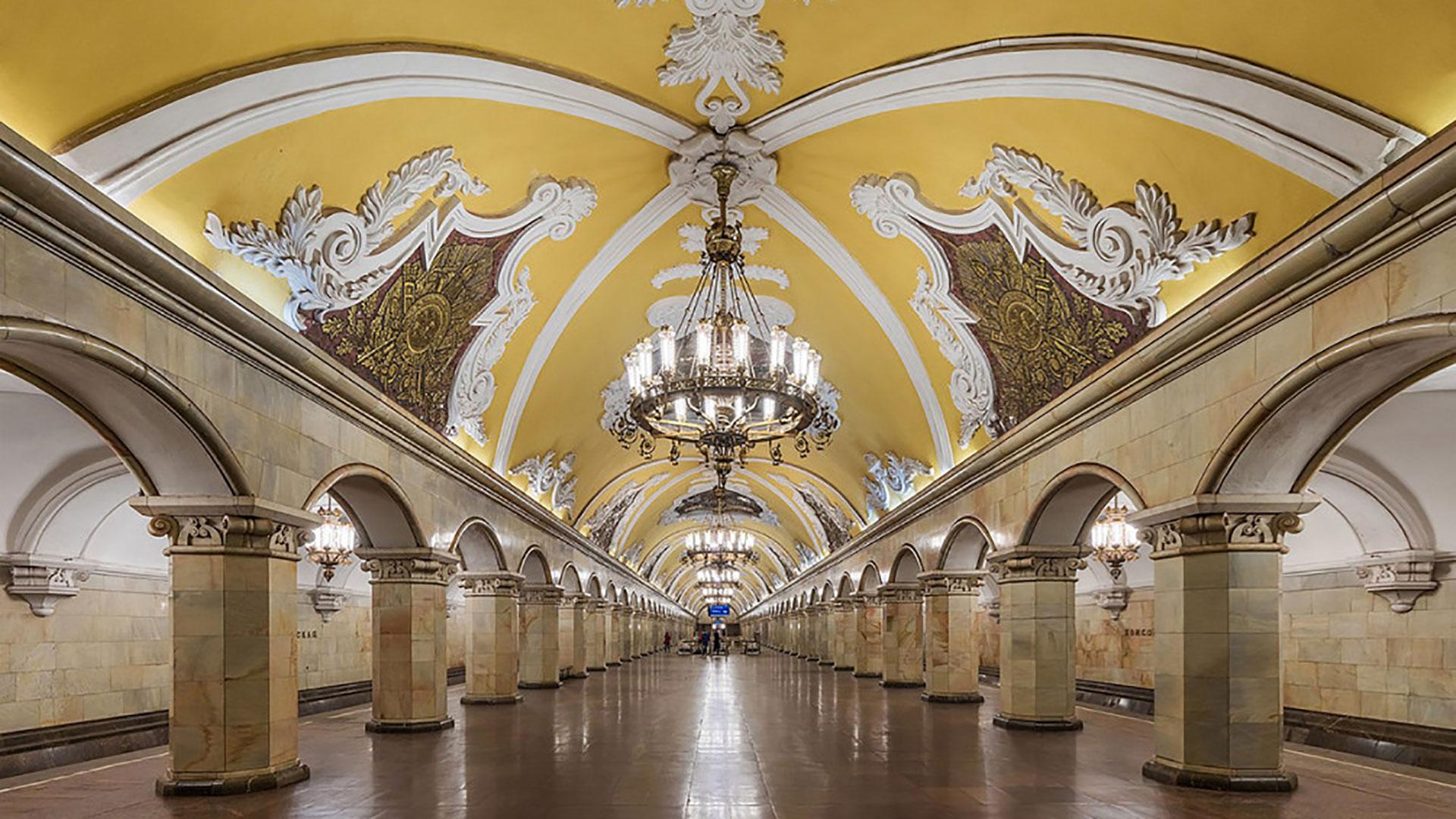 Le-stazioni-della-metropolitana-più-belle-del-mondo-mosca