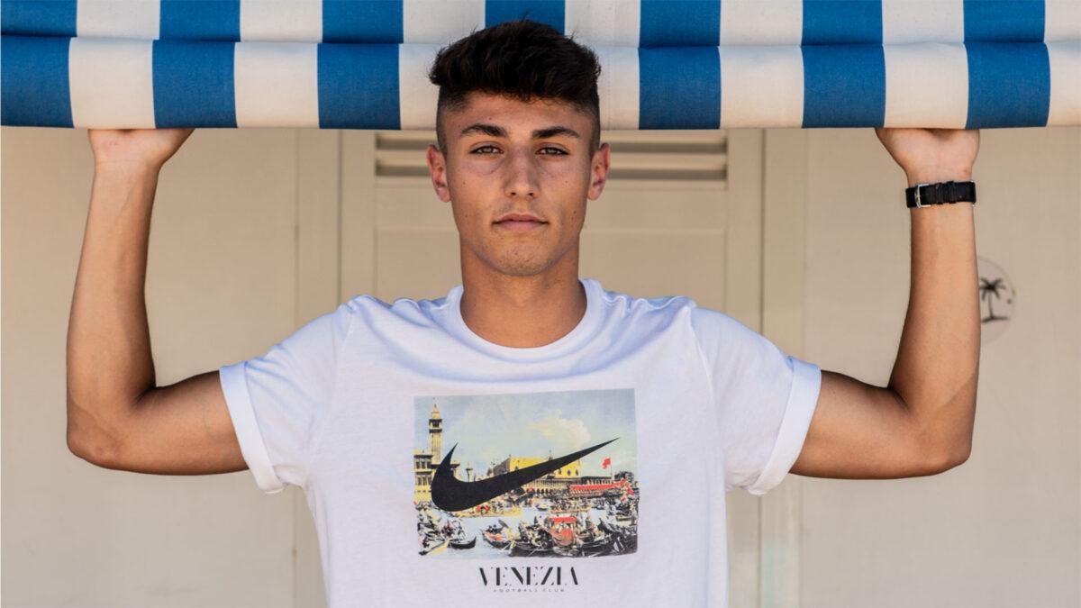 T-Shirt con opere d'arte: i più bei quadri da indossare