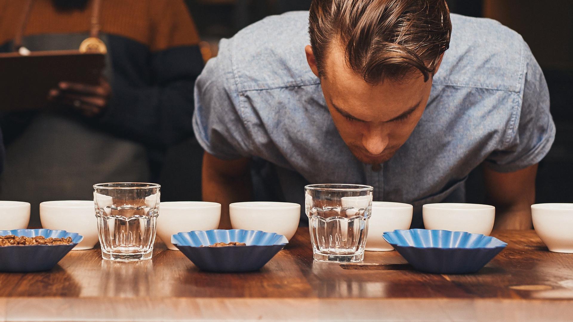 Regole per degustare il caffè