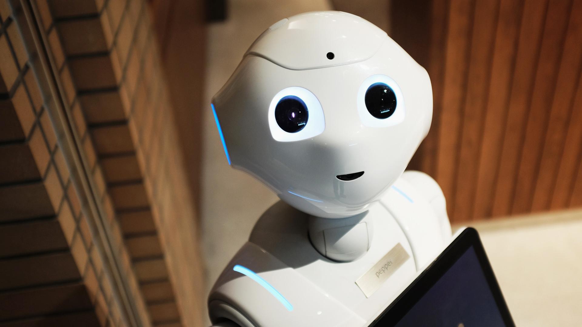 Intelligenza artificiale pro e contro: scopriamo luci e ombre delle AI