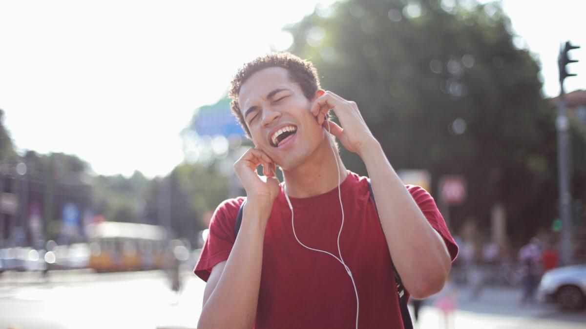 App per cantare, modificare la voce e duettare a distanza