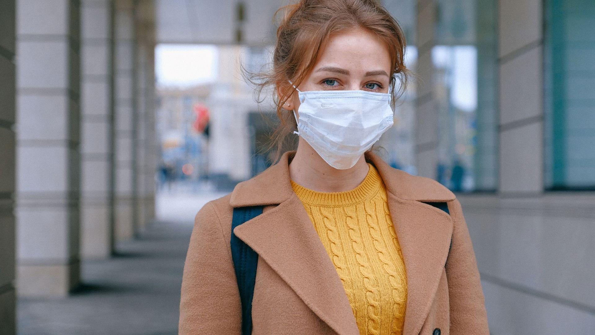 Hai dell'acne o irritazioni da mascherina? Scopri i trucchi per prevenire problemi alla pelle