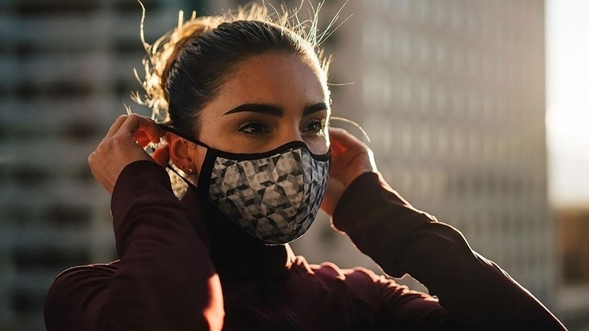 Scopri le più belle acconciature donna da realizzare con la mascherina