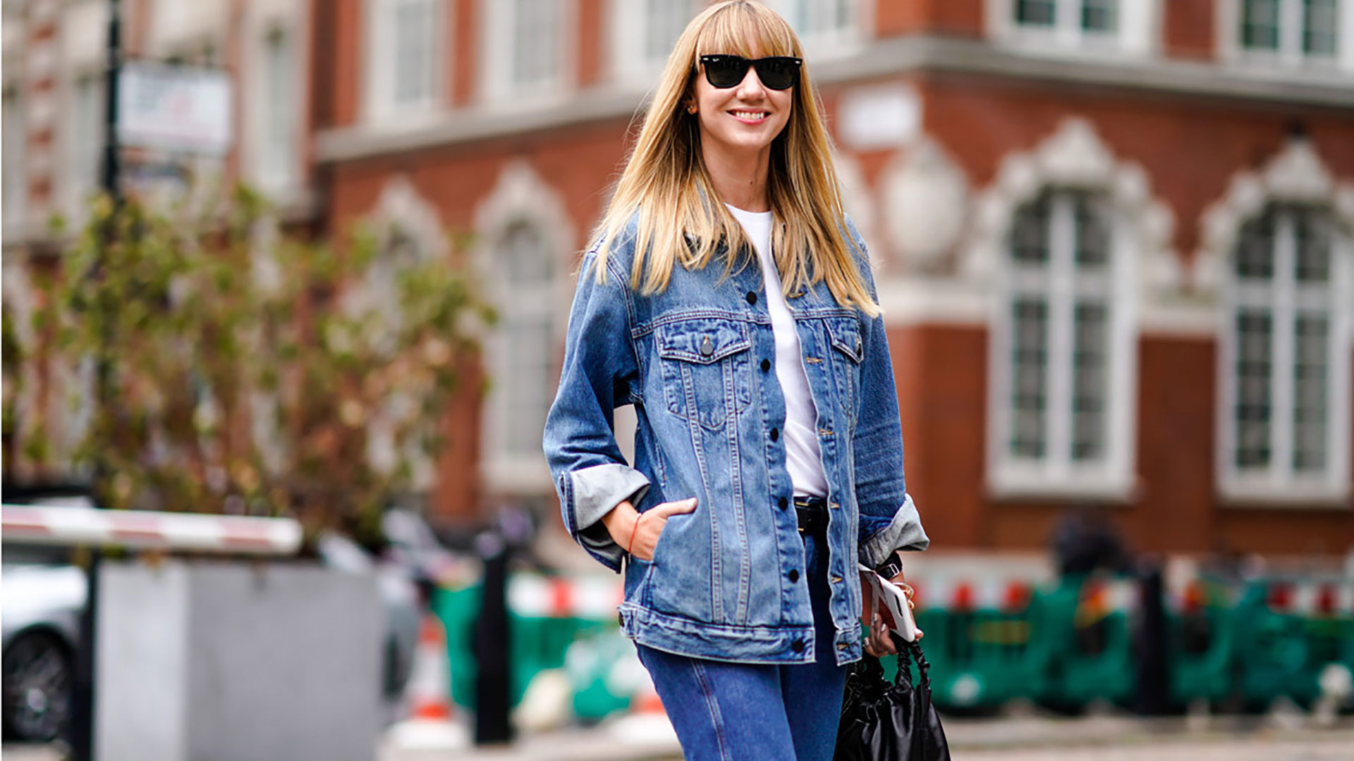 Outfit con la giacca di jeans