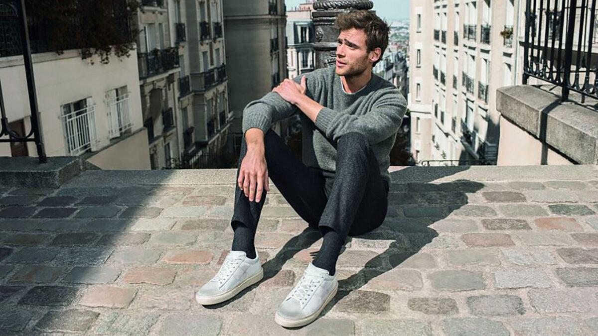 Moda uomo: vesti casual ma con stile grazie alle sneakers eleganti