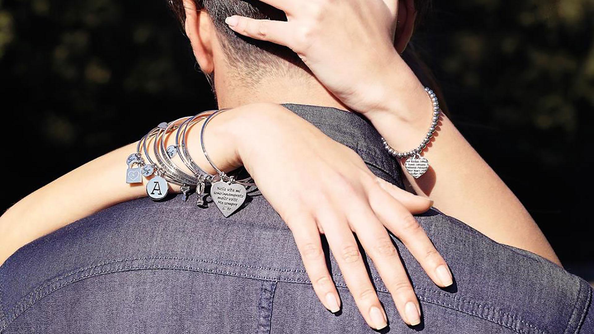 bracciale con ciondoli