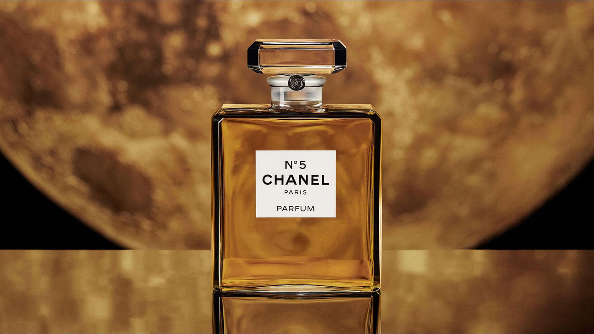 Chanel N°5: da profumo a icona