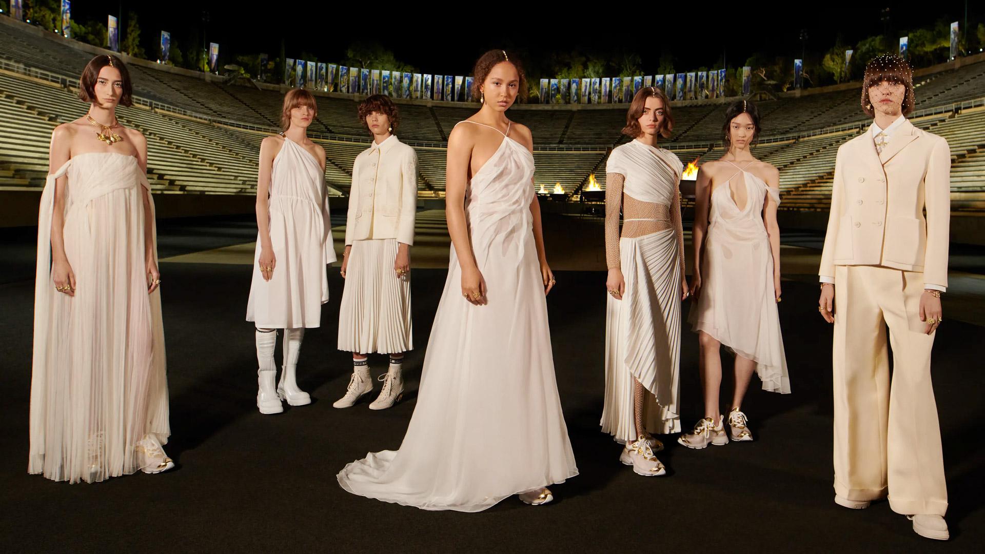 Dior Cruise 2022 Atene il peplo sporty della maison fa rivivere il mito greco
