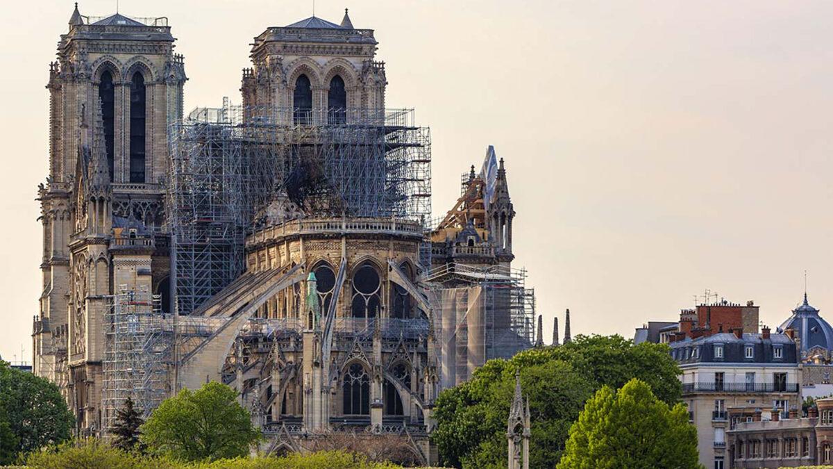 L'azienda italiana El.En restaura Notre-Dame grazie ai suoi laser