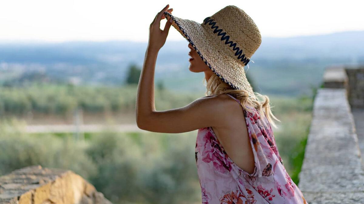 Per l'estate scegli un cappello artigianale: ecco i modelli più glamour