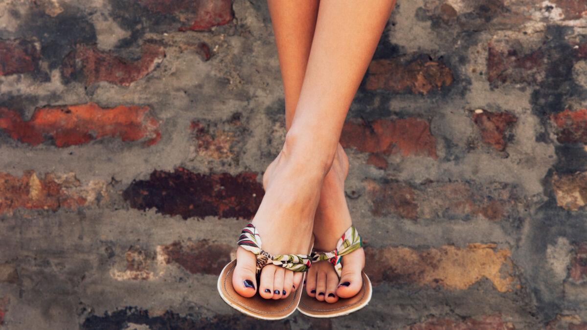 I sandali infradito del 2021 sono super chic: scopri i modelli più belli