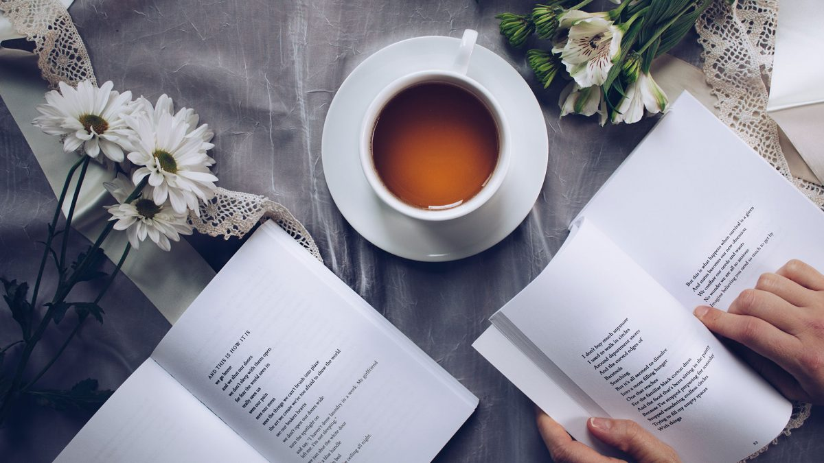 Libroterapia: perché leggere libri aiuta il tuo benessere
