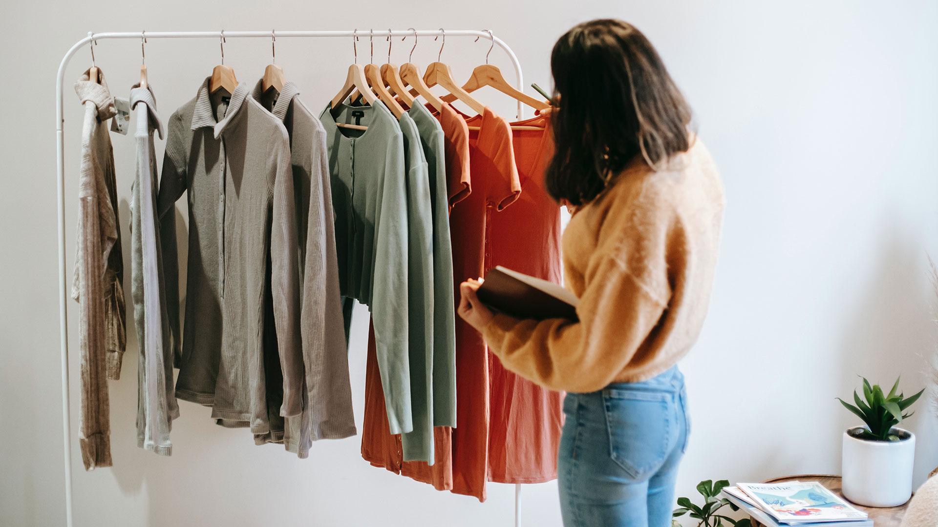 Vuoi un armadio minimalista? Quanti (e quali) capi avere nel guardaroba